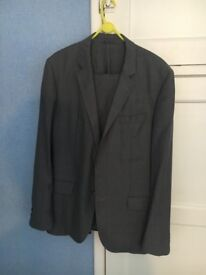 Hugo Boss - Light Grey - Wool/Silk Suit - Premium Quality - Hutson1/Gander - Size 52