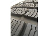 Set of 4 Winter tyres 225/45 R17 hardly used