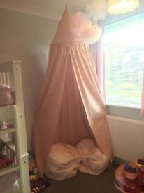Girls pink bed canopy