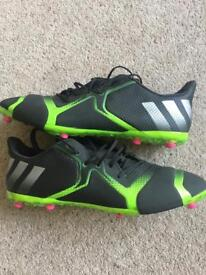 Adidas TKRZ Football boot trainers AG. Size 9.5.