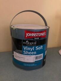 2.5 litres Johnstones vinyl emulsion paint full tin