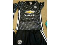 New Man united away kit age 9-10