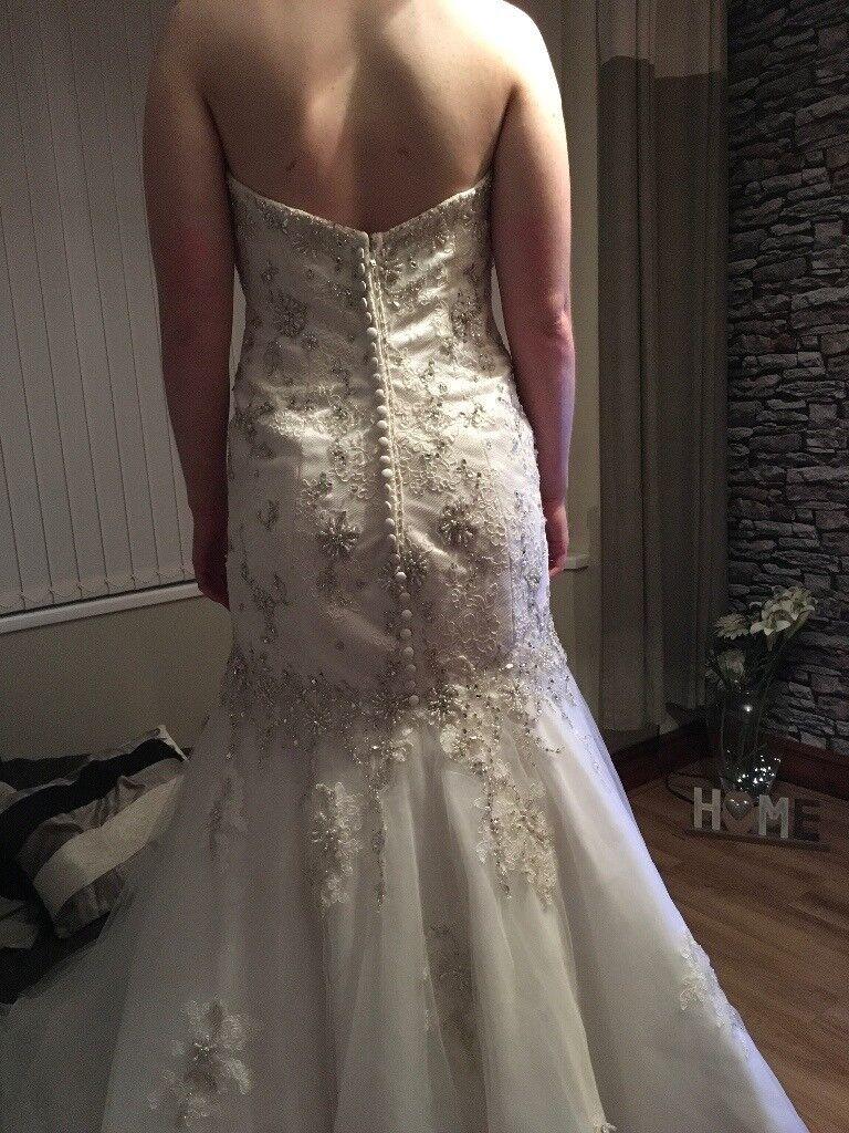 Moira lee wedding dress