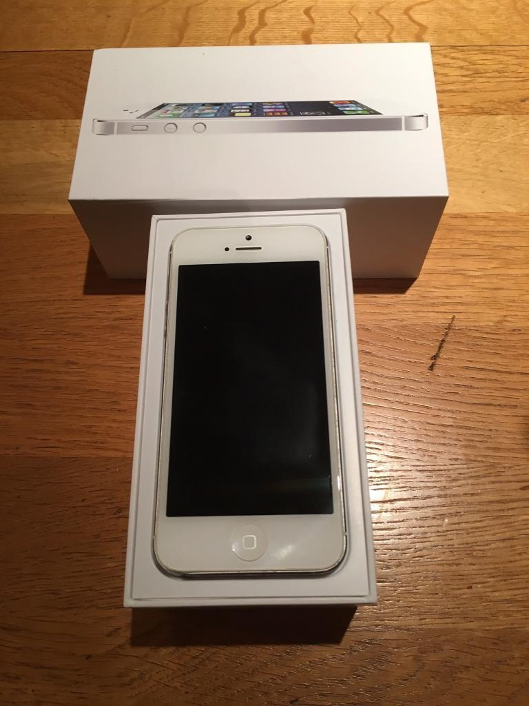 Apple iPhone 5 16GBin Chippenham, WiltshireGumtree - Apple iPhone 5 16GB Silver/white Excellent condition perfect working order. Vodafone network
