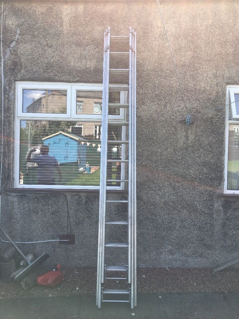 3 TIER SECTION LADDERS 40 Rungs £150 Ono
