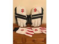 Gray Nicholls Oblivion Wicket Keeper Gloves & Glove Liners.