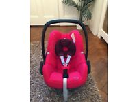 Maxi cosi pebble group 0,1 car seat in red. Used but in excellent condition.