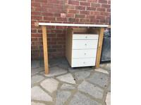 Office desk and matching 4 drawer unit