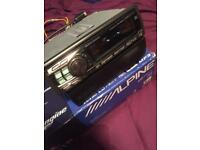 ALPINE CAR STEREO CD PLAYER RADIO HEAD UNIT