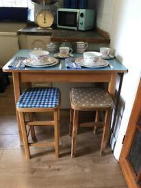 Cute retro Kitchen Table