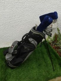 *** FULL SET GOLF CLUBS + HIPPO GOLF BAG WITH STAND + CLUB HEAD COVERS + BALLS + TEES + LOADS EXTRAS