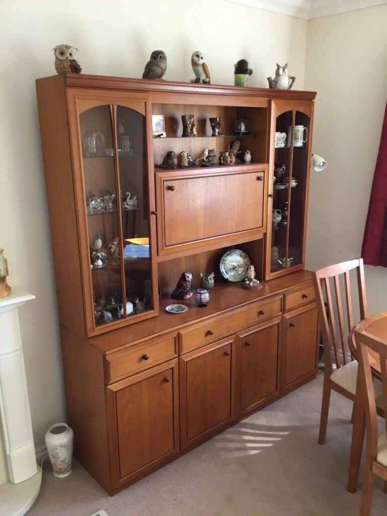 William Lawrence display cabinet/sideboard in superb condition