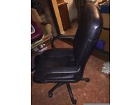 Office chair with wheels (black)