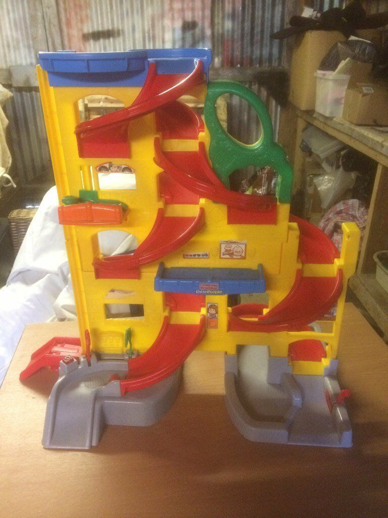 Fisher price little people wheelies stand 39 n play rampway for Little tikes 2 in 1 buildin to learn motor workshop