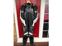 MOTORBIKE RST SUIT LEATHER SIZE 40 UK 50 EUR EXCELLENT CONDITION