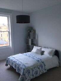 Large bright furnished double bedroom in Regency Townhouse