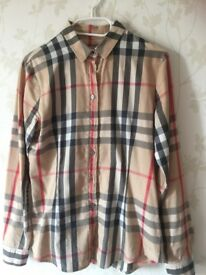 Burberry ladies blouse 100% original size s/m