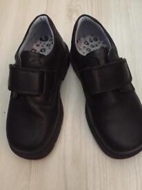 Boys Petasil shoes size uk 8.5 eur 26