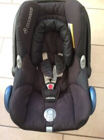Maxi cosi car seat Cabriofix 0-12months Very good condition