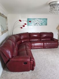 Beautiful luxary leather corner sofa 8 months old