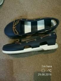 Women crocs sandals size W 8