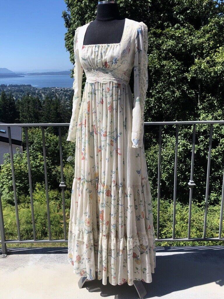 Lovely 1970s Gunne Sax Maxi Dress Hippie/Boho, Tiers & Bird on Branch Print Sz 7