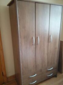 Wardrobe 3 door with shelves and hanging space