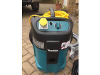 Makita 447m Vacuum/Extractor 110v **M CLASS** BRAND NEW, Wet and dry Vac