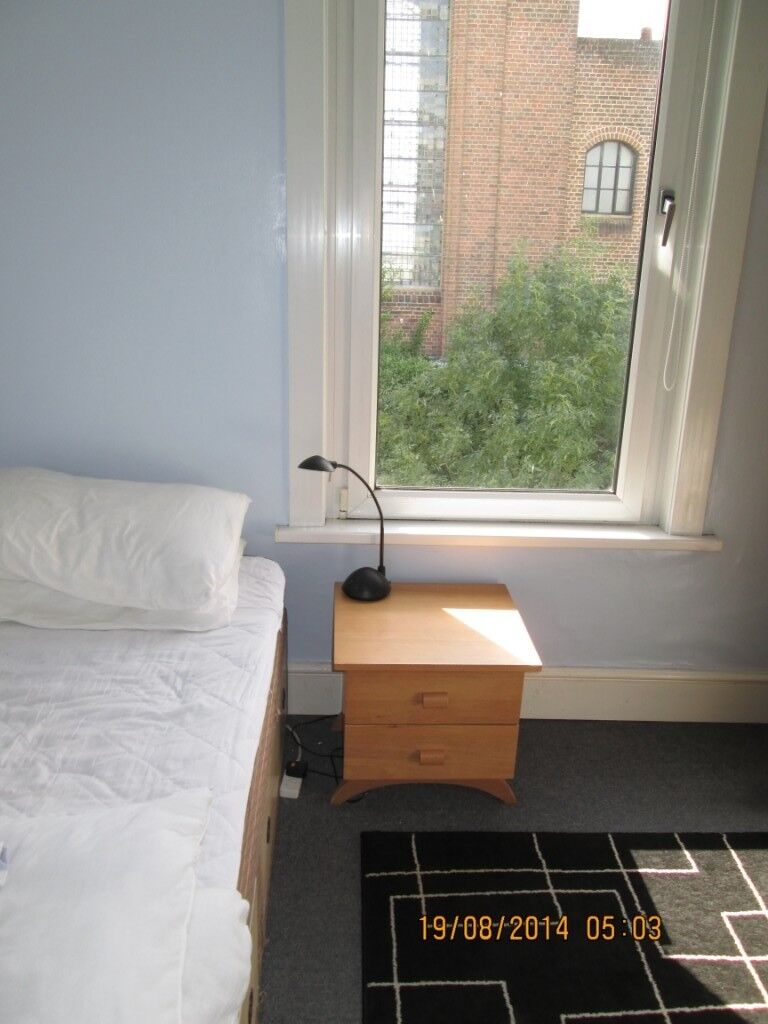 Two double rooms on top floor of 3 storey house  Self-contained  | in  Brighton, East Sussex | Gumtree