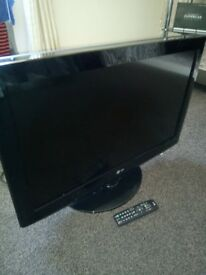 32 inch LG lcd tv with remote control