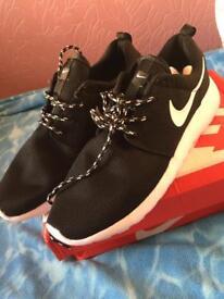 Nike Roshe Run 2 trainers Size 10