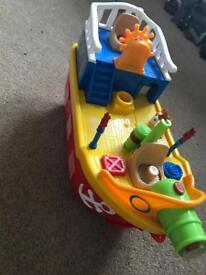 Bath pirate ship