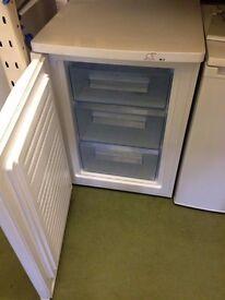 Graded lec 60cm freezer
