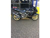 Zx12r b2h in black and gold