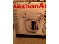KitchenAid Artisan mixer in white Brand new !