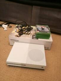 Xbox One S 500GB with controller and 5 games