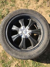 4 x Fearless Alloy wheels. They are off a Toyota Hilux and the alloys are all in good condition.