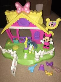 Minnie Mouse jump and style pony stable