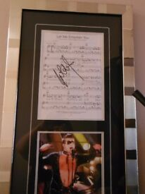 Robbie Williams Signed sheet Music & Photo Let Me Entertain You