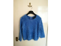 FOREVER 21 3/4 sleeve cropped blue fluffy jumper, size M