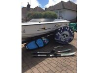 19ft speed boat for sale, 85hp Yamaha engine with electric tilt , dounught & ski's included