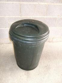 Large 80 litre plastic bin with lid, ideal for garden waste, rubbish, storage, garage dustbin etc