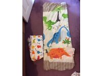 (2 sets) Dinosaur single bedding, pillowcase and fitted sheets