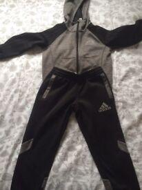 Boys Adidas tracksuit age 6-7