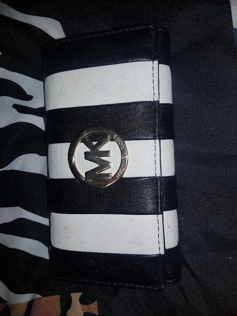 MK BLACK AND WHITE PURSE