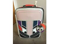 LOVELY HAND LUGGAGE TRAVEL CASE WITH NOVELTY FACE - EXCELLENT CONDITION