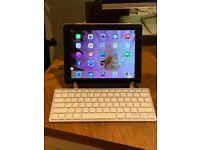 iPad 16GB (4th generation) bundle. Like new.