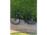 """GT Avalanche Sport 27.5"""" 2017 Men's Large Mountain Bike Limited Edition Black/Neon Yellow"""