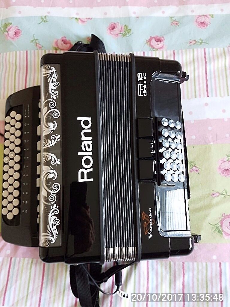 Roland FR18 Diactonic Accordion