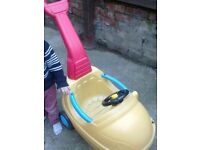kids sit and ride car. beautifull mothercare car toy with pushing handle